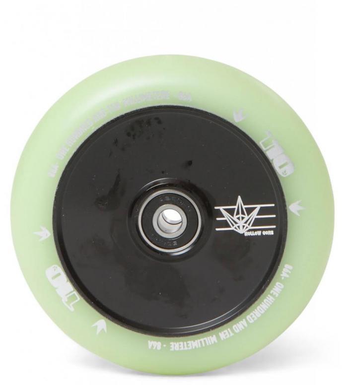 Blunt Wheel Hologram Glow 110er black/green glow 110mm