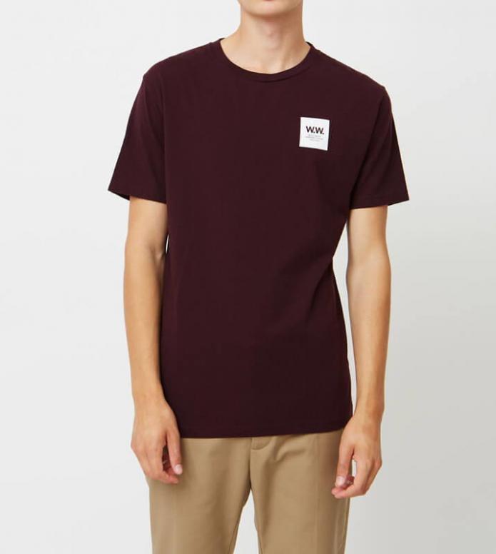 Wood Wood Wood Wood T-Shirt Box red burgundy